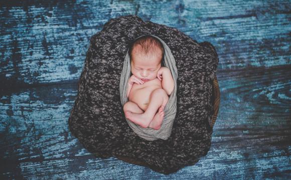 Newborn – focení novorozenců
